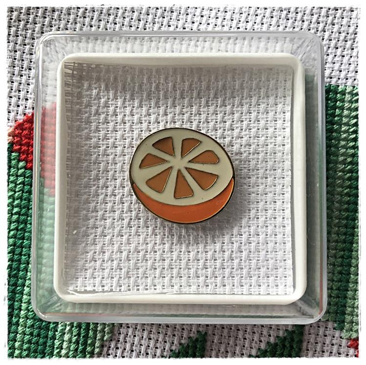 Magnetic Needle Minder Orange