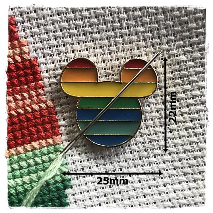 Magnetic Needle Minder Rainbow Mouse