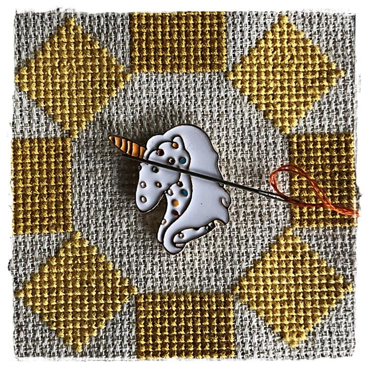 Magnetic Needle Minder White Unicorn