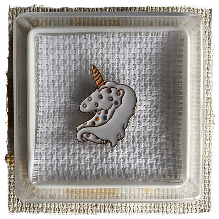 Magnetic Needle Minder White Unicorn